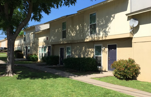 Iconic Village Denton College Apartment Source