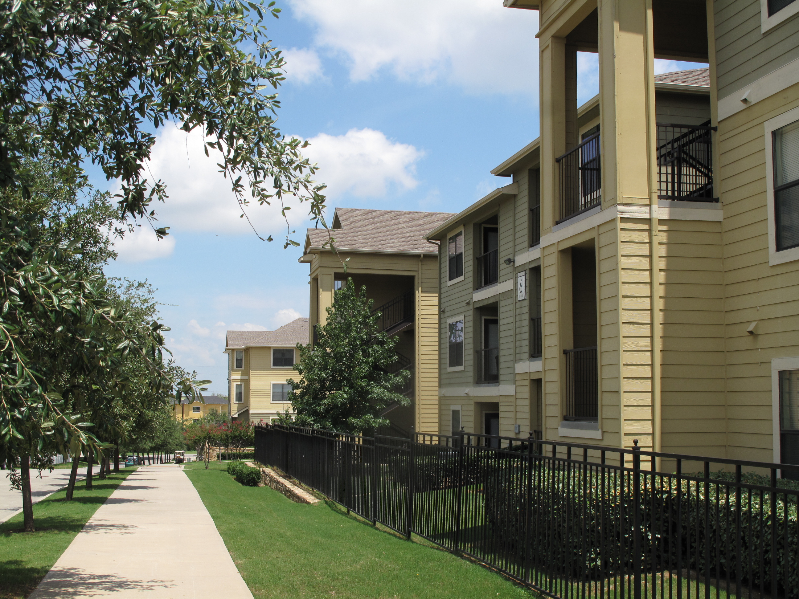 Gateway At Denton Denton College Apartment Source