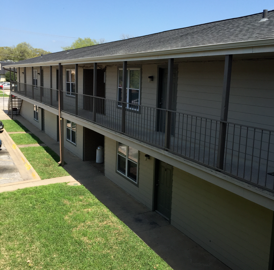 Campus Club Apartments: Denton College Apartment Source