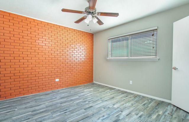 19-Twenty-bedroomwall