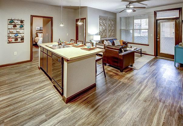 699-14-livingroom-gallery14